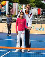 13-09-12, Netherlands, Amsterdam, Tennis, Daviscup Netherlands-Swiss, Streettennis, with Thiemo de Bakker