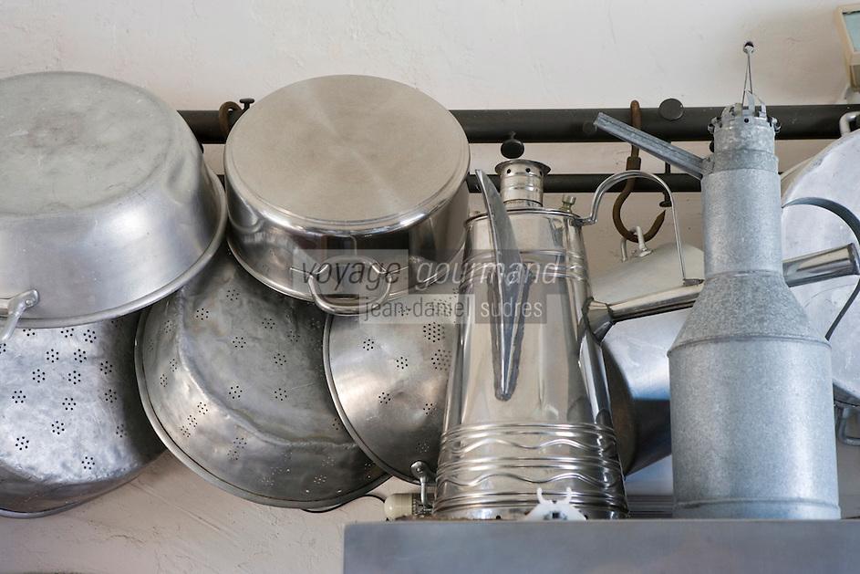 Asie/Israel/Tel-Aviv-Jaffa/Jaffa: Maison-Musée de l'artiste Ilana Goor (Gur) - Ilana Goor Muséum - Ustensiles de Cuisine