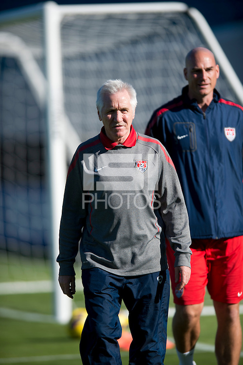 Tom Sermanni, Paul Rogers.  The USWNT defeated Scotland, 4-1, during a friendly at EverBank Field in Jacksonville, Florida.