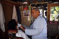 Europe/Turquie/Altinyata : Marhé - Chez le coiffeur