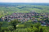 Deutschland, Rheinland-Pfalz, Neustadt an der Weinstrasse: Ortsteil Diedesfeld | Germany, Rhineland-Palatinate, Neustadt an der Weinstrasse: district Diedesfeld