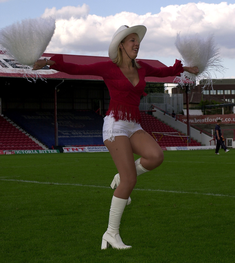 Photo: Richard Lane..London Broncos v Bradford Bulls. Tetleys Super League. 31/08/2003..Broncos cowgirl.