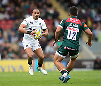 Jonathan Joseph of Bath Rugby in possession. Aviva Premiership match, between Leicester Tigers and Bath Rugby on September 3, 2017 at Welford Road in Leicester, England. Photo by: Patrick Khachfe / Onside Images