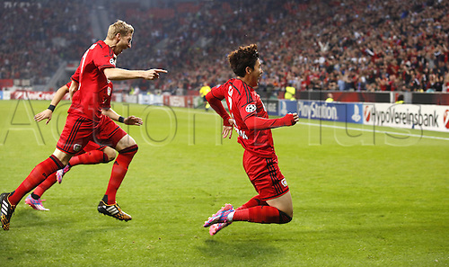 27.08.2014. Leverkusen, Germany. UEFA Champions League qualification match. Bayer Leverkusen versus FC Copenhagen.  Leverkusens Heung-Min Son celebrates scoring for 1:0 with teeammates  Leverkusens Heung-Min Son (R) celebrates scoring the goal for 1:0 with Leverkusens Stefan Kiessling