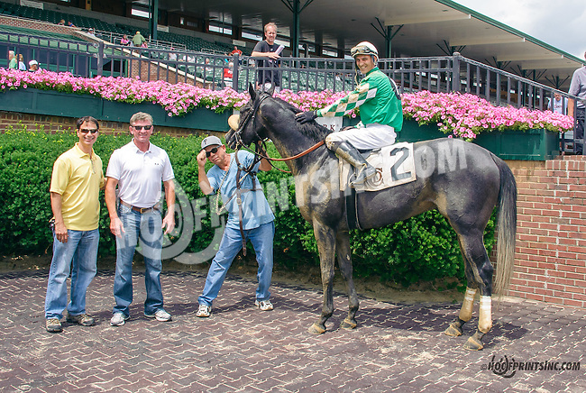 Royal L. S. winning at Delaware Park on 7/6/15