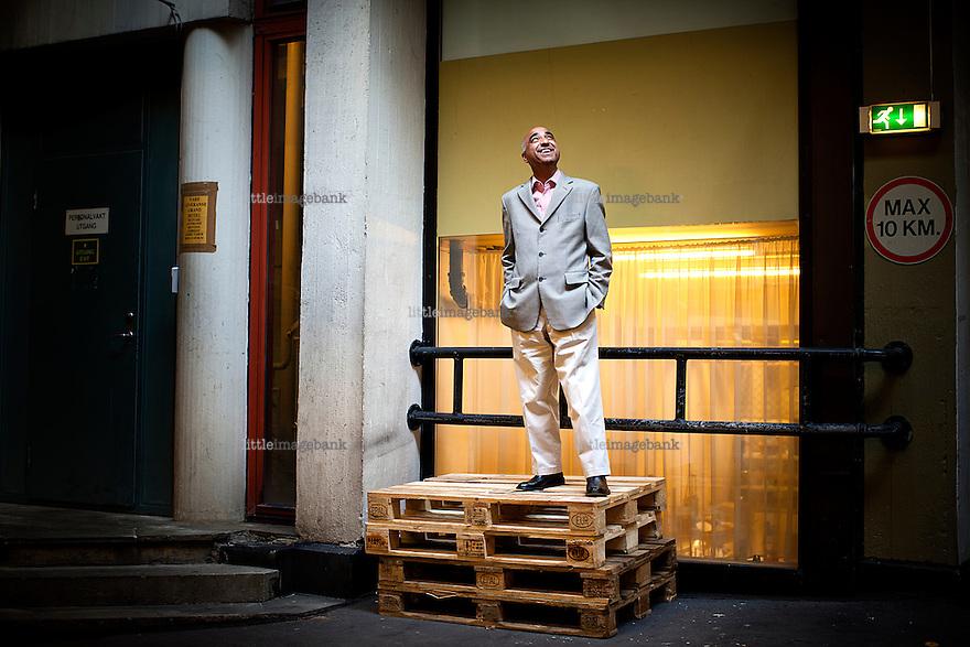 Oslo, Norge, 12.04.2012. ANC politiker Iqbal Jhazbhay er i Oslo i forbindelse med en konferanse. Vi snakker med han om politisk islam, som er hans spesialområde. Foto: Christopher Olssøn.