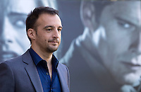 Il regista spagnolo Alejandro Amenabar posa durante un photo call per la presentazione del suo nuovo film 'Regression' a Roma, 19 novembre 2015.<br />