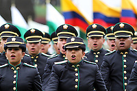 BOGOTA - COLOMBIA- 16 -05-2013: Graduación de 300 Alféreces a subtenientes en la Escuela General Santander de La Policía Nacional, con la presencia del presidente de la república Juan Manuel Santos, Juan Pinzón Ministro de Defensa y del director de la Policia Nacional General  José Roberto León Riaño . (Foto: VizzorImage / Felipe Caicedo / Staff). : Graduation 300 Ensigns to Lieutenants in Genaral Santander School of The National Police, with the presence of the President of the Republic Juan Manuel Santos, Juan Pinzon Minister of Defense and National Police Director General Jose Roberto Leon Riano  (Foto: VizzorImage / Felipe Caicedo / Staff).
