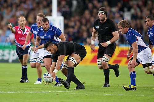 24.09.2015. Olympic Stadium, London, England. Rugby World Cup. New Zealand versus Namibia. New Zealand All Black centre Malakai Fekitoa picks up the ball.