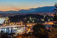 FranFrance, Provence-Alpes-Côte d'Azur, Nice: evening scene at Port de Nice (Bassin du Commerce) | kreich, Provence-Alpes-Côte d'Azur, Nizza: Abendstimmung im Hafen Port de Nice (Bassin du Commerce)