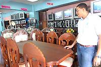 Recorrido por la ciudad de Santo Domingo sobre las ventas de varios productos..Santo Domingo Republica Dominicana.Fotos:Cesar de la Cruz.Fecha:07/01/2007