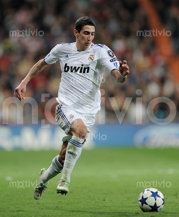 FUSSBALL   CHAMPIONS LEAGUE   SAISON 2010/2011   Achtelfinale  16.03.2011 Real Madrid  -  Olympic Lyon  Angel Di Maria (Real Madrid) mit Ball