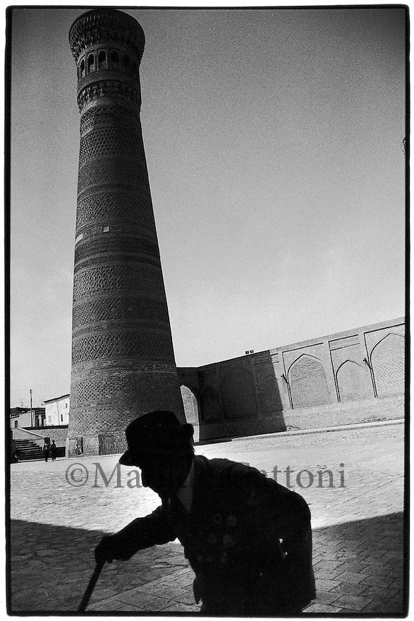 Uzbekistan - Bukhara - Kalon minaret (the Tower of Death).