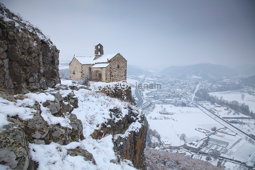France, Cantal (15), Massiac, chapelle Sainte-Madeleine sous la neige // France, Cantal, Massiac, chapel Sainte-Madeleine in the snow