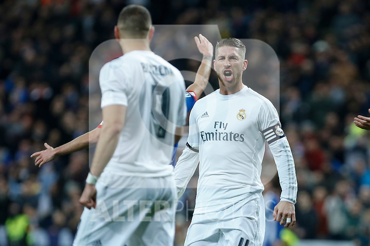 Real Madrid´s Karim Benzema celebrates a goal with Sergio Ramos during 2015/16 La Liga match between Real Madrid and Deportivo de la Coruna at Santiago Bernabeu stadium in Madrid, Spain. January 09, 2015. (ALTERPHOTOS/Victor Blanco)