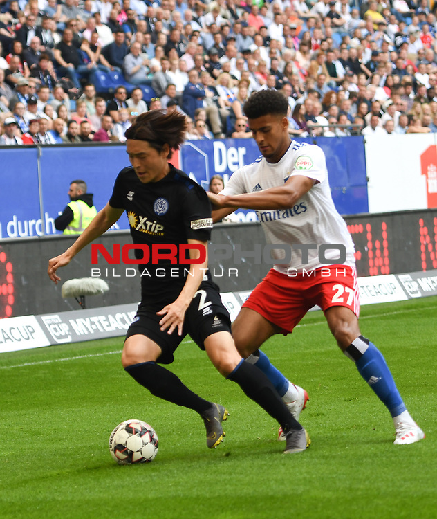 19.05.2019,  GER; 2. FBL, Hamburger SV vs MSV Duisburg ,DFL REGULATIONS PROHIBIT ANY USE OF PHOTOGRAPHS AS IMAGE SEQUENCES AND/OR QUASI-VIDEO, im Bild Josha Vagnoman (Hamburg #27) versucht sich gegen Young-jae Seo (Duisburg #02) durchzuseten Foto © nordphoto / Witke