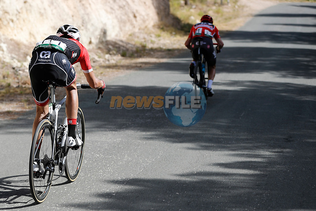 Race leader Chris Froome (GBR) Team Sky and Alberto Contador (ESP) Trek Segafredo descend Alto Xorret de Cat&iacute; during Stage 8 of the 2017 La Vuelta, running 199.5km from Hell&iacute;n to Xorret de Cat&iacute;. Costa Blanca Interior, Spain. 26th August 2017.<br /> Picture: Unipublic/&copy;photogomezsport | Cyclefile<br /> <br /> <br /> All photos usage must carry mandatory copyright credit (&copy; Cyclefile | Unipublic/&copy;photogomezsport)