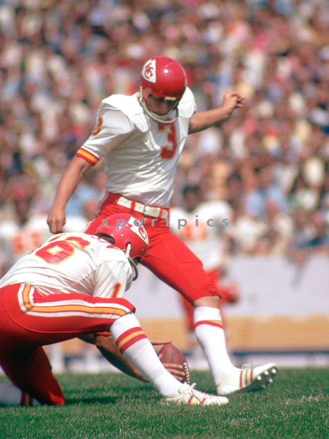 Kansas City Chiefs Jan Stenerud (3) during a game from his 1972 season with the Kansas City Chiefs.  Jan Stenerud played for 19 years with 3 different teams, was a 6-time Pro Bowler and was inducted into the Pro Football Hall of Fame in 1991.(SportPics)