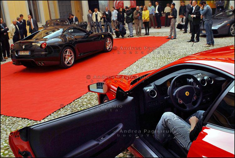 Italia, Milano, 04/10/2006..Presentazione nuovi modelli Ferrari..#####.Italy, Milan, 04/10/2006..Ferrari new models..© Andrea Pagliarulo