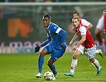 Nederland, Alkmaar, 21 december 2012.Eredivisie .Seizoen 2012-2013.AZ-FC Twente.Leroy Fer (l.) van FC Twente in actie met bal. Rechts Roy Beerens van AZ.