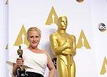"US-LOS ANGELES-OSCARS-BEST ACTRESS IN A SUPPORTING ROLE --- <br /> Actress Patricia Arquette poses after winning the Best Actress in a Supporting Role award for ""Boyhood"" during the 87th Academy Awards at the Dolby Theater. <br /> Los Angeles, USA - 22/02/2015."