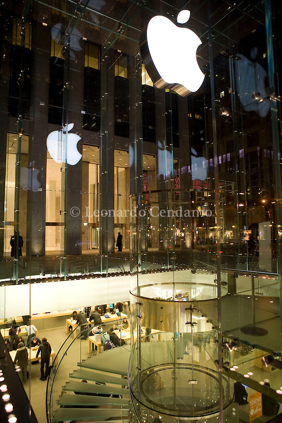 New York, USA, April 2008. Apple Store Fifth Avenue, New York City, during a sales promotion from 25th of April to 4th of May 2008.