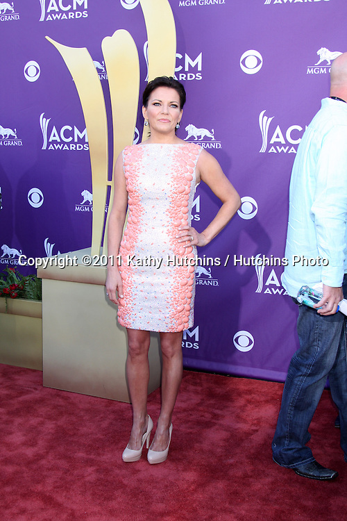 LAS VEGAS - APR 1:  Martina McBride arrives at the 2012 Academy of Country Music Awards at MGM Grand Garden Arena on April 1, 2010 in Las Vegas, NV.