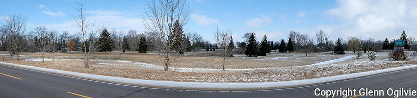 Looking from Lakeshore Road towards the golf course and proposed subdivision.