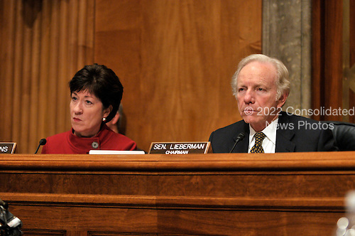 Washington, D.C. - January 14, 2009 -- United States Senator Joseph I. Lieberman (Independent Democrat of Connecticut), Chairman, United States Senate Committee on Homeland Security and Governmental Affairs, and U.S. Senator Susan Collins (Republican of Maine), Ranking Member, listen as Peter Orszag answers questions on his nomination as Director of the Office of Management and Budget (OMB) in Washington, D.C. on Wednesday, January 14, 2009..Credit: Ron Sachs / CNP
