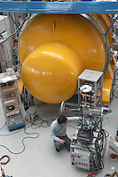 - CNR, Consiglio Nazionale delle Ricerche, INFN (Istituto Nazionale di Fisica Nucleare), laboratori nazionali di Legnaro (Padova)..antenna AURIGA per le ricerche sulle onde gravitazionali....- CNR, National Research Council, INFN (National Institute for Nuclear Physics), national laboratories of Legnaro (Padova)..AURIGA antenna  for the searches on the gravitational waves