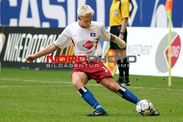 1. BL 2003/2004<br /> Rudi Voeller nominiert Christian Rahn vom HSV fuer die Nationalmannschaft.<br /> Der Linksfuss wurde von Teamchef Rudi Voeller fuer die beiden EM-Qualifikationsspiele gegen Island und Schottland nominiert.<br /> <br /> Foto &copy; nordphoto / Thorge Huter<br /> <br />  *** Local Caption *** Foto ist honorarpflichtig! zzgl. gesetzl. MwSt.<br />  Belegexemplar erforderlich<br /> Adresse: nordphoto<br /> Georg-Reinke-Strasse 1<br /> 49377 Vechta