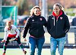 TILBURG  - hockey-  coach Ageeth Boomgaardt (MOP) met assistent-coach Maartje Paumen (MOP) voor de wedstrijd Were Di-MOP (1-1) in de promotieklasse hockey dames. COPYRIGHT KOEN SUYK