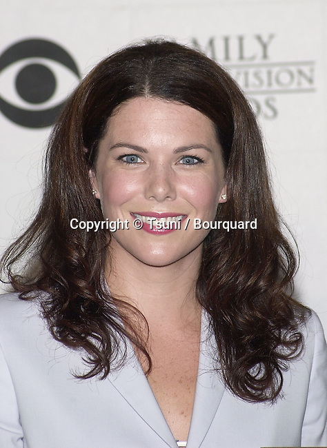 Lauren Graham - Gilmore Girls -  received the best actress awards at the 3rd Annual Family Television Awards at the Beverly Hilton in Los Angeles.  August 2, 2001   GrahamLauren_GilmoreGirl02.jpg