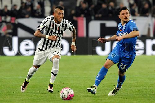 02.04.2016. Juventus Stadium, Turin, Italy. Serie A Football. Juventus versus Empoli. Roberto Pereyra plays the ball