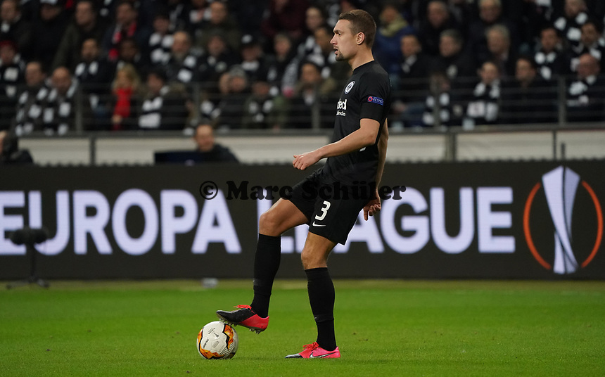 Stefan Ilsanker (Eintracht Frankfurt) - 20.02.2020: Eintracht Frankfurt vs. RB Salzburg, UEFA Europa League, Hinspiel Round of 32, Commerzbank Arena DISCLAIMER: DFL regulations prohibit any use of photographs as image sequences and/or quasi-video.