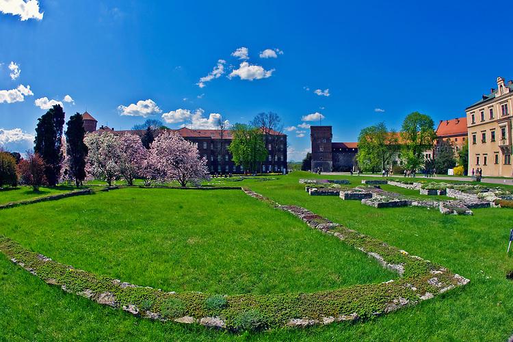 Widok na Katedre,  Zamek Krolewski na Wawelu<br /> Wawel Castle in Cracow, Poland