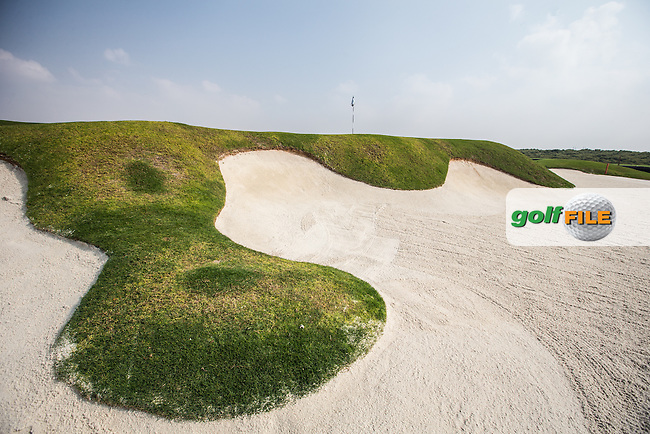 View of the 8th beach bunker at Al Zorah Golf Club, Dubai, United Arab Emirates.  26/01/2016. Picture: Golffile | David Lloyd<br /> <br /> All photos usage must carry mandatory copyright credit (&copy; Golffile | David Lloyd)
