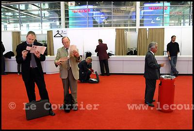 Genève, le 14.10.2003.Télécom 2003 à  Genève. Ambiance au sein de la foire aux télécomunication..© Jean-Patrick Di Silvestro ..