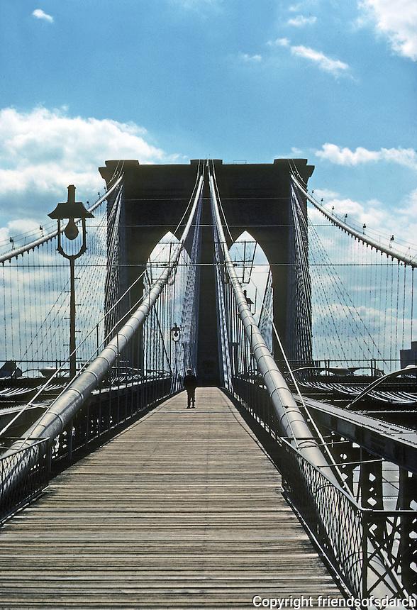 New York: Brooklyn Bridge, Manhattan Pier from Manhattan. Photo 78.