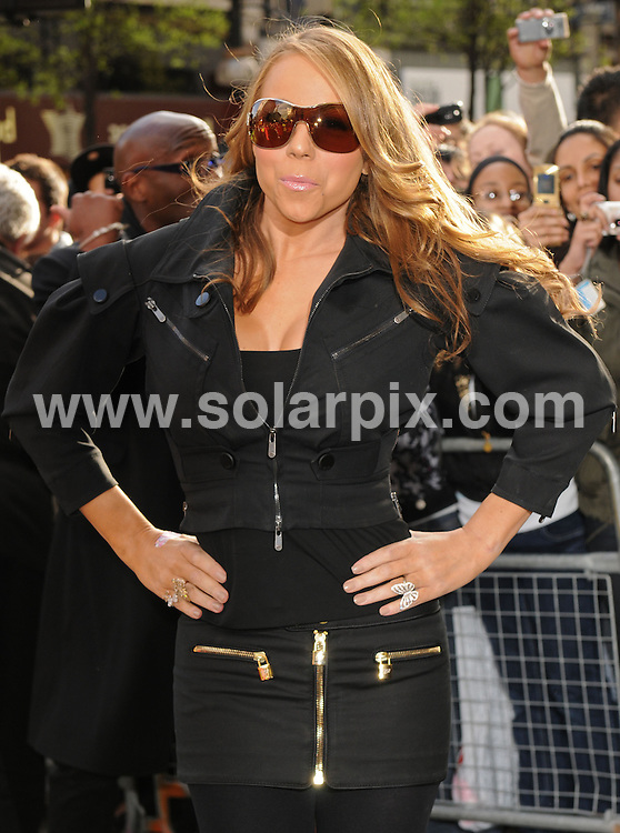 **ALL ROUND PICTURES FROM SOLARPIX.COM**.**WORLDWIDE SYNDICATION RIGHTS**.US R&B singer Mariah Carey meets fans and signs copies of her new single Touch My Body from latest album E=MC? at Selfridges on Londons Oxford street..JOB REF:  6055    SSD    DATE: 01.04.08.**MUST CREDIT SOLARPIX.COM OR DOUBLE FEE WILL BE CHARGED* *UNDER NO CIRCUMSTANCES IS THIS IMAGE TO BE REPRODUCED FOR ANY ONLINE EDITION WITHOUT PRIOR PERMISSION*