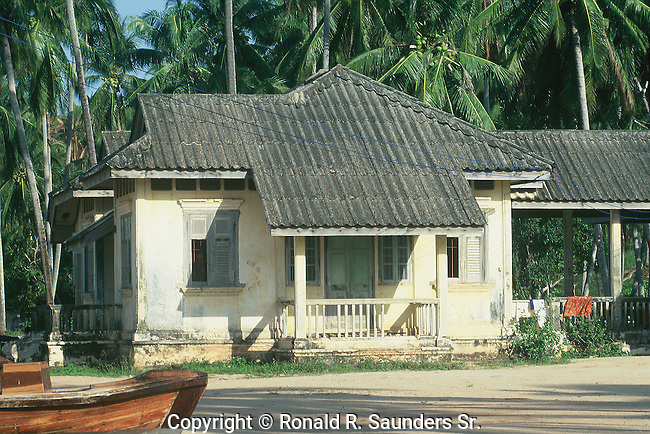 SINO-PORTUGUESE COLONIAL HOME IN PHUKET