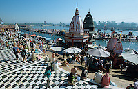 "S?dasien Asien Indien IND Haridwar am Fluss Ganges Hindutempel un d Badestelle Ghats fuer Pilger  - Tourismus Hinduismus Hindu Hindus Religion xagndaz | .Asia India Haridwar or Hardwar at River ganges Ganga Hindu temple and bathing place Ghat - Religion Hinduism .| [ copyright (c) Joerg Boethling / agenda , Veroeffentlichung nur gegen Honorar und Belegexemplar an / publication only with royalties and copy to:  agenda PG   Rothestr. 66   Germany D-22765 Hamburg   ph. ++49 40 391 907 14   e-mail: boethling@agenda-fototext.de   www.agenda-fototext.de   Bank: Hamburger Sparkasse  BLZ 200 505 50  Kto. 1281 120 178   IBAN: DE96 2005 0550 1281 1201 78   BIC: ""HASPDEHH"" ,  WEITERE MOTIVE ZU DIESEM THEMA SIND VORHANDEN!! MORE PICTURES ON THIS SUBJECT AVAILABLE!! INDIA PHOTO ARCHIVE: http://www.visualindia.net ] [#0,26,121#]"