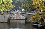 AMSTERDAM - NETHERLANDS - 19 OCTOBER 2004 -- Bridge over the  canal of the Reguliersgracht.-- PHOTO:  EUP-IMAGES / JUHA ROININEN