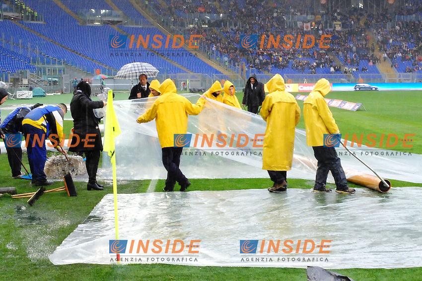 Il campo protetto dai teloni anti pioggia <br /> Roma 02-01-2014 Stadio Olimpico - Football Calcio Serie A 2013/2014 AS Roma - Parma Foto Andrea Staccioli / Insidefoto