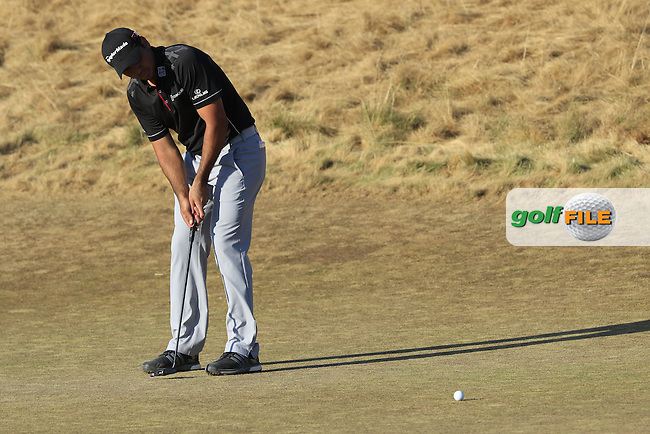 Jason DAY (AUS) takes his putt on the 18th green during Sunday's Final Round of the 2015 U.S. Open 115th National Championship held at Chambers Bay, Seattle, Washington, USA. 6/22/2015.<br /> Picture: Golffile | Eoin Clarke<br /> <br /> <br /> <br /> <br /> All photo usage must carry mandatory copyright credit (&copy; Golffile | Eoin Clarke)