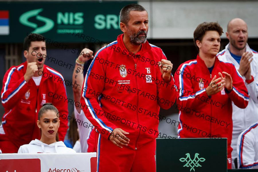 Davis Cup 2016 Quarter Final<br /> Srbija v Velika Britanija<br /> Dusan Lajovic SRB v James Ward GBR<br /> Team captain Bogdan Obradovic and Momir Kecmanovic (R)<br /> Beograd, 16.07.2016.<br /> Foto: Srdjan Stevanovic/Starsportphoto.com&copy;