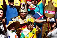 NEIVA - COLOMBIA, 27-08-2017: Hinchas del Tolima animan a su equipo durante el partido entre Atlético Huila y Deportes Tolima por la fecha 10 de la Liga Águila II 2017 jugado en el estadio Guillermo Plazas Alcid de la ciudad de Neiva. / Fans of Tolima cheer for their team during the match between Atletico Huila and Deportes Tolima for the date 10 of the Aguila League II 2017 played at Guillermo Plazas Alcid in Neiva city. VizzorImage / Sergio Reyes / Cont