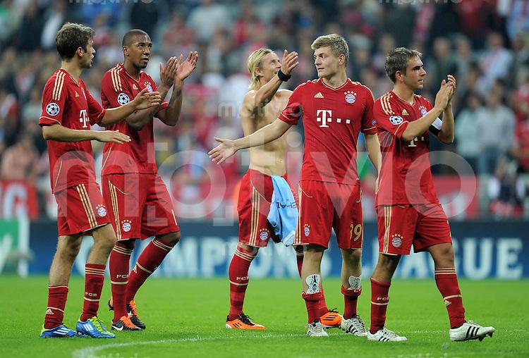 FUSSBALL   CHAMPIONS LEAGUE   SAISON 2011/2012     27.09.2011 FC Bayern Muenchen - Manchester City FC Thomas Mueller, Jerome Boateng, Toni Kroos , Philipp Lahm (v. li., FC Bayern Muenchen)