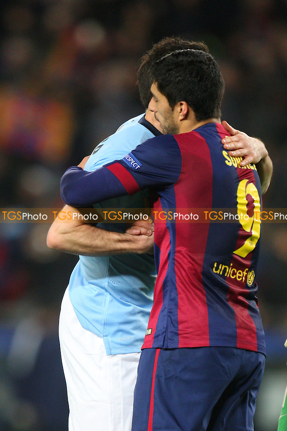 Luis Suarez of FC Barcelona and Frank Lampard of Manchester City at the final whistle - FC Barcelona vs Manchester City - European Champions League Round of Sixteen Football at the Camp Nou Stadium on  18/03/15 - MANDATORY CREDIT: Dave Simpson/TGSPHOTO - Self billing applies where appropriate - 0845 094 6026 - contact@tgsphoto.co.uk - NO UNPAID USE