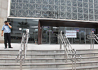 SÃO PAULO,SP,05.05.2015 - ACIDENTE-MORTE - Um homem caiu de uma altura de aproximadamente 25 metros no fórum trabalhista da Barra funda e não resistiu aos ferimentos nesta quarta-feira, 05. (Foto Marcio Ribeiro / Brazil Photo Press)